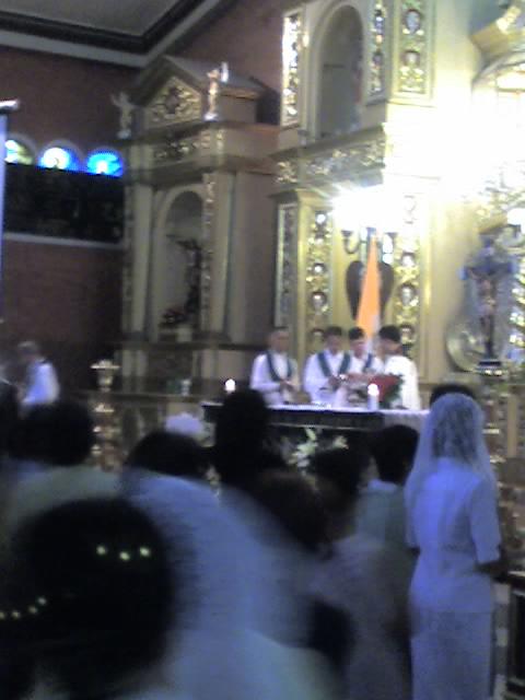 The Holy Communion commences...