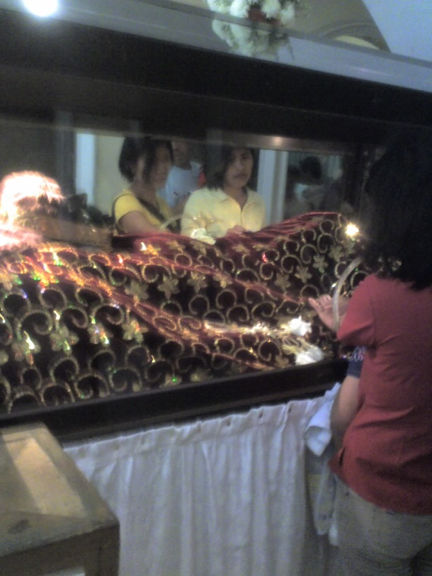 A replica of Lolo Uweng.