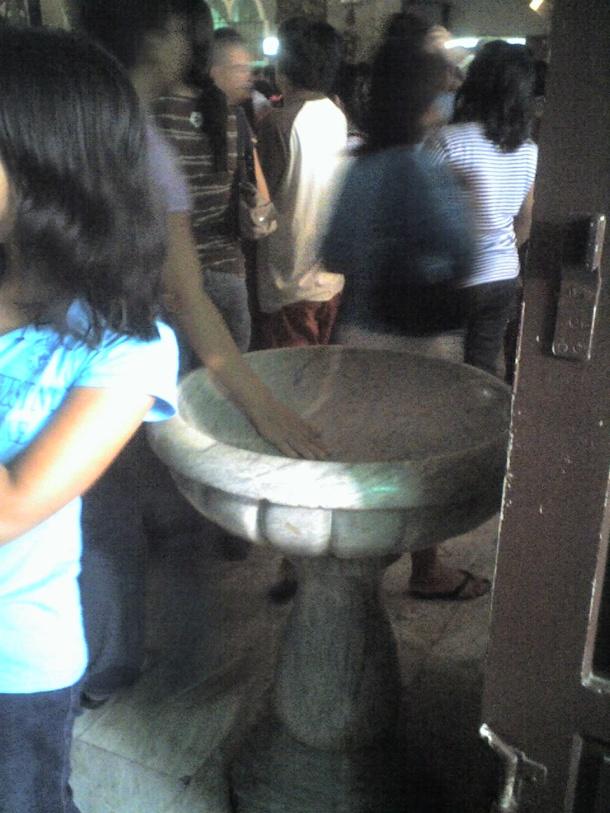 Marble basin for the agua bendita.
