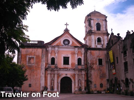 La Iglesia de San Agustín, where countless Filipino masses have been held throughout the centuries (photo from my online pal Traveler on Foot).