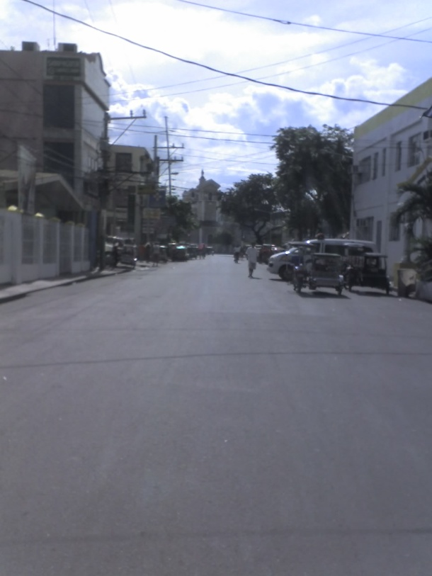The road leading from Paaralang Sentral ng San Pedro to the church.