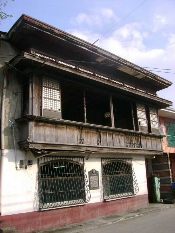 The ancestral home of Ananias Diokno (un taaleño revolucionario).