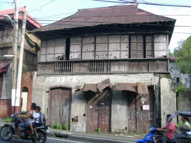 To the local government of Taal: please save this Filipino house!